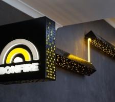 Bonfire-Neon-illumination