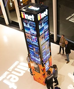 iinet digital sign pylon perth arean