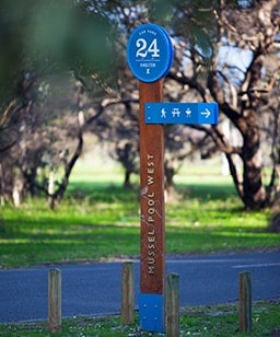 wayfinding post whiteman park perth