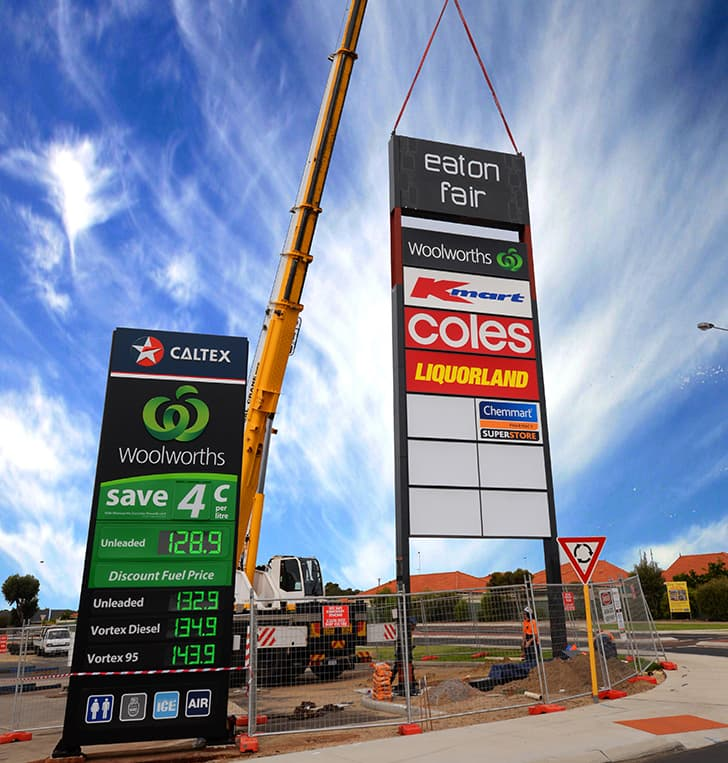 bunbury illuminated pylon sign installation